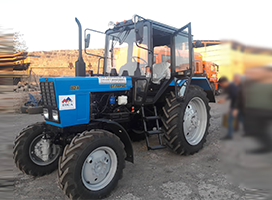 Providing agricultural machinery with government support